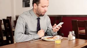 texting-while-eating