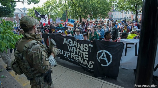 antifa_demonstrating