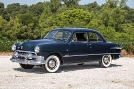 1951 Ford 2 dood sedan_6287_13x1.jpg