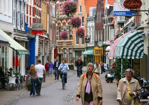 011_Haarlem,_Netherlands_-_Kleine_Houtstraat